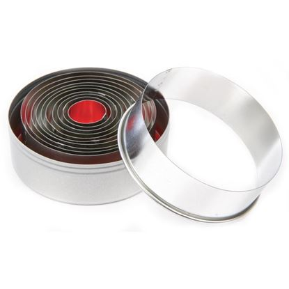 """Picture of Round plain pastry cutter set  - 4"""" (set of 11)"""